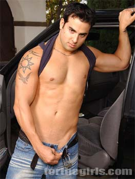 Pic: Sexy hunk Tino can drive our car any day if he's naked.